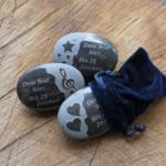 Handschmeichler Basalt mit Stern Herz Notenschlüssel